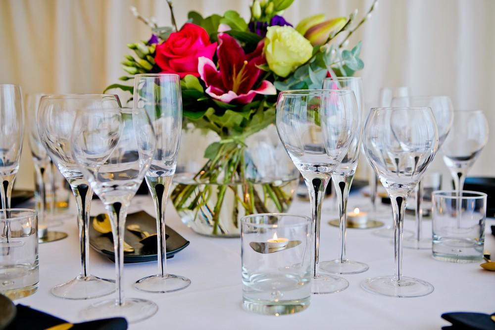 black-teardrop-glassware-to-hire (1)