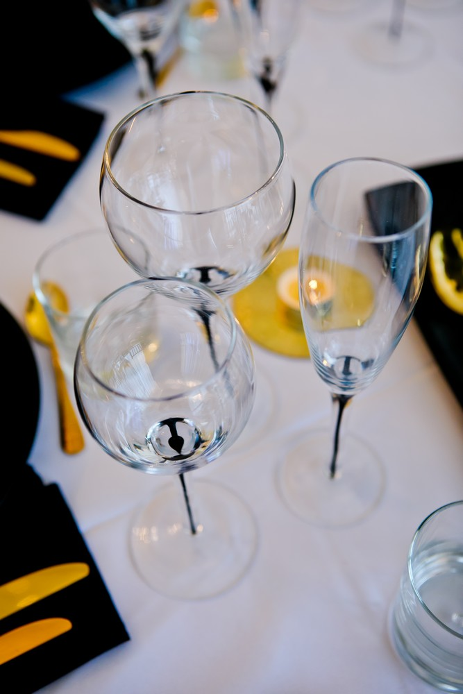 black-teardrop-glassware-to-hire (11)