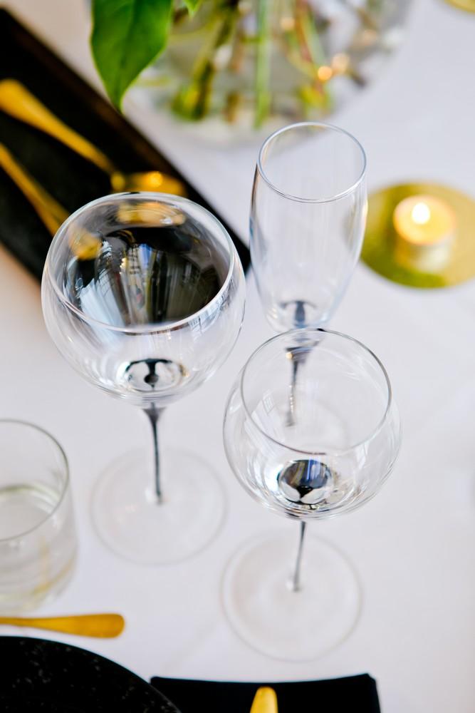 black-teardrop-glassware-to-hire (7)
