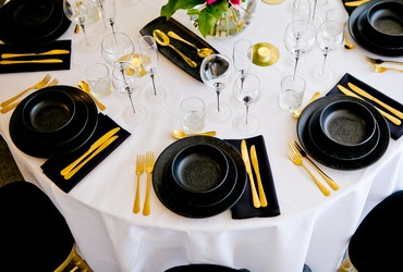 graphite-black-crockery-to-hire
