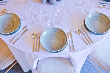 grey-crockery-to-hire (1)