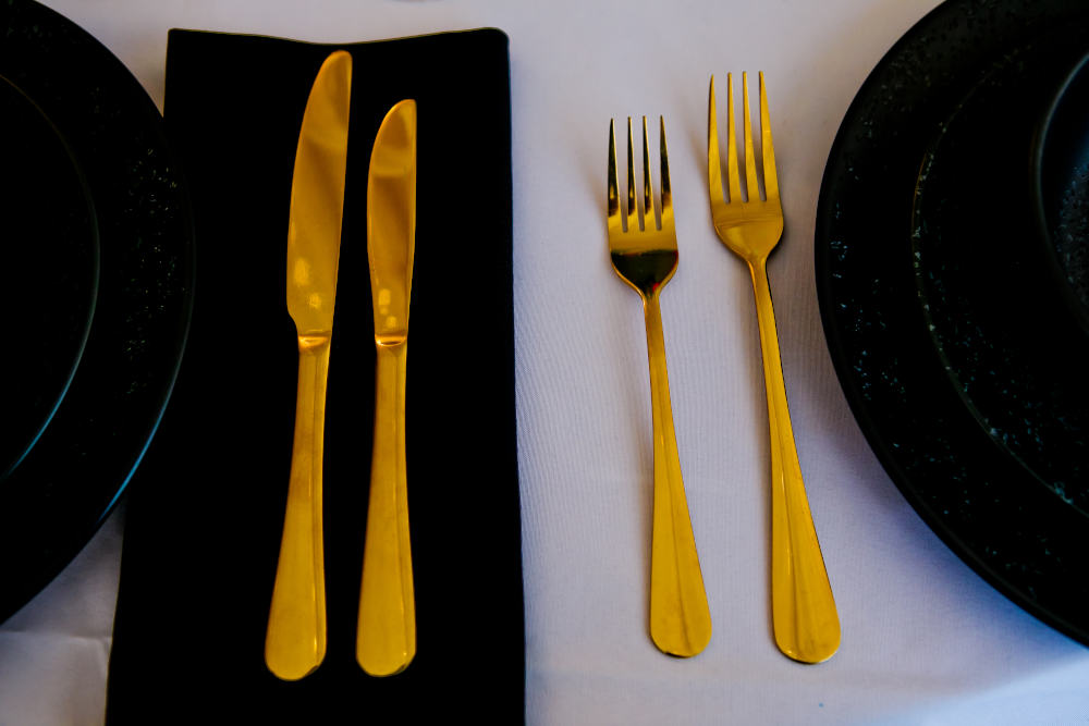 Cameo cutlery to hire